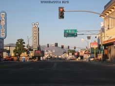 Winnemucca, NV : Winnemucca Blvd. On the way to San Francisco.  Love the name - Winnemucca