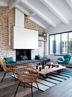 58 Cool Living Room Design Ideas With Brick Walls - Home Decor & Design Home Living Room, Living Room Decor, Living Spaces, Sweet Home, Old Home Remodel, Home Decoracion, Interior Architecture, Interior Design, Victorian Architecture