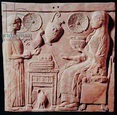 La placca raffigurante una donna che offre doni a una donna seduta, da Locres, c.450 aC (pietra)