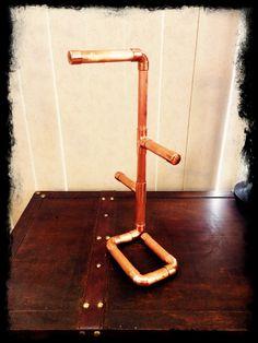 Steampunk-Industrielle Kunst Kupfer Rohr Schmuck Ständer oder Schmuck anzeigen von CopperPipeDream auf Etsy https://www.etsy.com/de/listing/236994155/steampunk-industrielle-kunst-kupfer-rohr