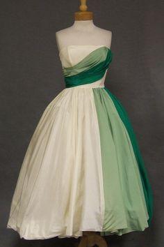 Will Steinman Strapless Dress with HiLo Balloon Hem - Vintageous, LLC Vintage Prom, Vintage 1950s Dresses, Retro Dress, Vintage Ladies, Vintage Outfits, 1950s Fashion, Vintage Fashion, Vintage Style, Vintage Couture