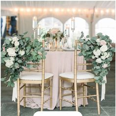 Are you wondering the best beach wedding flowers to celebrate your union? Here are some of the best ideas for beach wedding flowers you should consider. Wedding Chair Decorations, Wedding Table Centerpieces, Wedding Chairs, Quince Decorations, Beach Wedding Flowers, Floral Wedding, Artificial Eucalyptus Garland, Artificial Plants, Decoration Evenementielle