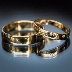 Wedding Rings #rings #weddingrings #wedding #weddingphotography #weddinginspiration #weddingday #tietheknot #bridesrealweddings #weddingband #summerwedding #hobartphotographer #hobartweddingphotographer #justmarried #weddingchicks #bridalinspiration #everydayibt #love #weddings #weddingideas #weddingstyle #weddingseason #weddingbands #sarahaktag #weddingphotoinspiration #featuremeoncewed #theknot #soloverly #reflection #everlastinglove #realwedding