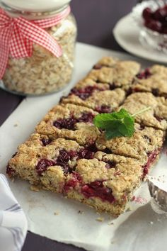 Juditka konyhája: ~ ZABPELYHES MEGGYES PITE ~ Sweet Recipes, Cake Recipes, Vegan Recipes, Sugar Free Deserts, Winter Food, Food And Drink, Biscotti, Yummy Food, Sweets