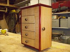 Curly Sassafras and Padauk Jewelry Box - Woodworking creation by Willie    WoodworkingWeb.com