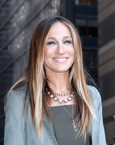 """Sarah Jessica Parker leaves the """"Late Show with David Letterman"""" at Ed Sullivan Theater in New York City on April 13, 2015."""