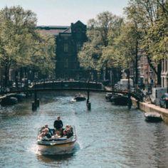 Hotels am Meer – die schönsten 7 Hotels mit Meerblick Hotel Am Meer, Stockholm, Portugal, Road Trip, Berlin Highlights, Travel, Amsterdam, Camper, Lake Garda Holidays