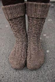 Missä neuloimme kerran: Suukkoja-sukat