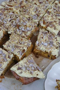 A Delicious, Easy, and Moreish Carrot Cake Traybake with Cream Cheese Frosting and Chopped Nuts! So, Easter time is full of Chocolate and such, which. Patisserie Cake, Janes Patisserie, No Cook Desserts, Delicious Desserts, Brownie Recipes, Cake Recipes, Sweet Recipes, Soup Recipes, Carrot Cake Traybake