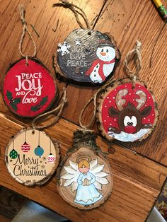 32 Nice Christmas Rustic Ornaments For Home Decoration - Diy Christmas Ornaments - Modern Christmas Ornaments, Christmas Wood, Diy Christmas Ornaments, Holiday Crafts, Christmas Decorations, Christmas Ideas, Christmas Cookies, Ornaments Ideas, Homemade Ornaments