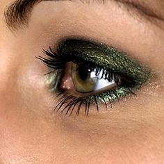 dark green really plays up the hazel!  i like how there is intense color here but it is concentrated and not out of control