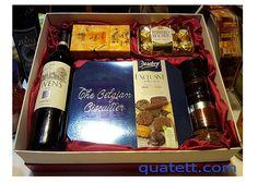 Hộp quà tết rượu vang Viven và Socola Ferrero Rocher được phân phối bởi Punkin - nơi chuyên cung cấp bia nhập khẩu, rượu vang cao cấp, quà tết.