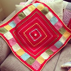 I <3 the use of color in this #crochet blanket.