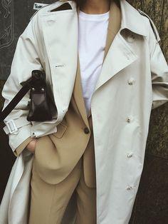 Brilliant jeans style summer outfits collection - - fashion style fashion show fashion week runway catwalk trend beauty lifestyle moda models mode trends clothing fashionista spring summer collection designer bikini cana Fashion Mode, Minimal Fashion, Look Fashion, Winter Fashion, Fashion Outfits, Womens Fashion, Fashion Trends, Minimal Chic, Emo Outfits
