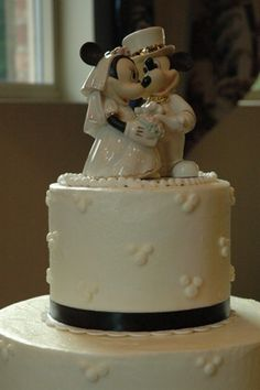 very classy Mickey cake!