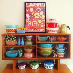 Cathrineholm enamel pots and Pyrex. Oh So Lovely Vintage blog.