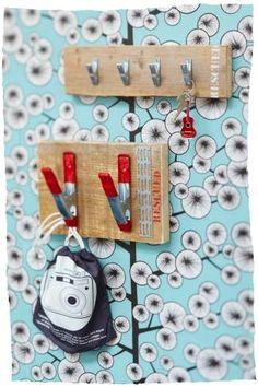 Stoer en handig clipbord om allerlei spullen aan op te hangen, zoals jassen, knuffels en tassen.