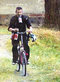 Always carry plenty of refreshments Very Funny Memes, Wtf Funny, Moulton Bicycle, Russian Jokes, Nc Usa, Funny Mems, Ex Libris, Best Memes, Funny Photos