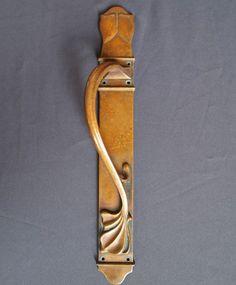 art nouveau door handles - Google Search Spirals In Nature, Art Nouveau, Art Deco, Door Knobs And Knockers, Door Furniture, Metallica, Door Handles, Hardware, Doors