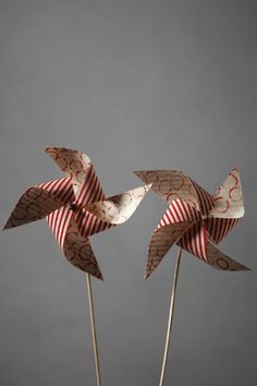 Festive Pinwheels...could be really cute along the sides of the aisle even!
