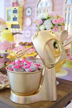 Ideas Bridal Brunch Shower Ideas Simple For 2019 Kitchen Shower Decorations, Teenager Party, Bride Shower, Party Decoration, Store Displays, Open House, Tea Party, Brunch, Bridal