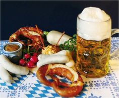 Visit the heart of Munich's beer and food culture, spend 3 hours sampling the best of traditional Bavarian food and beer, with an exclusive tour of the Oktoberfest Museum the best of local beer halls and the Hofbräuhaus. Bavarian Recipes, Austrian Recipes, Bavarian Food, Munich Food, German Beer Festival, Beer History, Dinner Themes, Beer Recipes, How To Make Beer