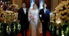 Entrada da noiva com pai e irmão no casamento de Preta Gil e Rodrigo Godoy.