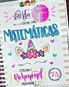 Letras & Manualidades (@amore_mio_letrasbonitas) • Fotos y videos de Instagram Dotted Bullet Journal, Bullet Journal Writing, Drawing Journal, School Notebooks, Lettering Tutorial, School Notes, Doodle Drawings, Border Design, Brush Lettering