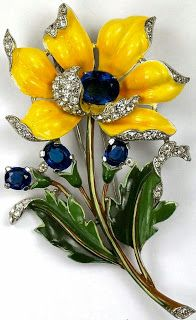 Trifari Alfred Philippe Large Pave and Enamel Yellow Peony Flower Brooch Clip. Enamel Jewelry, Antique Jewelry, Vintage Jewelry, Vintage Costume Jewelry, Vintage Costumes, Schmuck Design, Mellow Yellow, Flower Brooch, Bling Bling