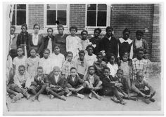 Photograph of 5A students of the Blackshear School of Austin, TX in the early 1920s.