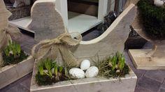 """Steigerhouten KIP """" op nest """", te bestellen en te maken in onze workshops @ GoedGevonden. Nieuwsbrief ? info@goedgevonden-wonen.nl"""