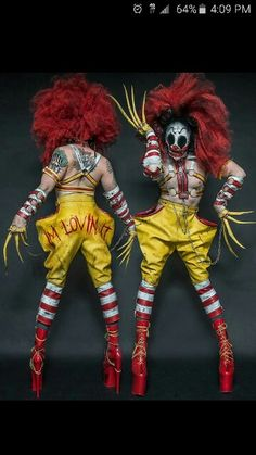 Had to share #jakesimpson pic. This costume is just AMAZING. and those Heels!! Psychotic Ronald McDonald.  ❤