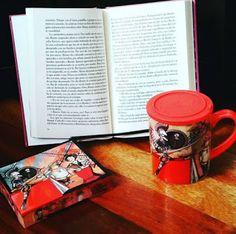 Entre montones de libros: Día del libro como reflexión