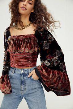 70s Inspired Fashion, 70s Fashion, Fashion Outfits, Fashion 2020, Looks Hippie, Looks Style, My Style, Mode Kimono, Mode Top