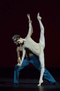 "<<Svetlana Zakharova in ""Digital Love"" # Patrick Aidan De Bana>> Ballet Dance Photography, Paris Opera Ballet, Svetlana Zakharova, Ballerina Project, Ballet Dancers, Ballerinas, Misty Copeland, Ballet Photos, Ballet Beautiful"