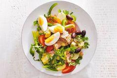 Snelle salade niçoise met aardappeltjes - Recept - Allerhande