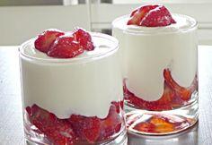 Epres mascarponés egyszerű desszert Hungarian Cake, Hungarian Recipes, Cake Cookies, Panna Cotta, Deserts, Pudding, Ethnic Recipes, Food, Cakes