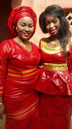 Ensemble rouge et doré