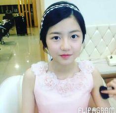 Hyun Soo, Girls Dresses, Flower Girl Dresses, Wedding Dresses, Fashion, Dresses Of Girls, Bride Dresses, Moda, Bridal Gowns
