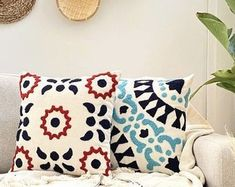 Needle Cushion, Punch Needle Patterns, Cushions, House Design, Crafty, Throw Pillows, Embroidery, Blanket, Boho