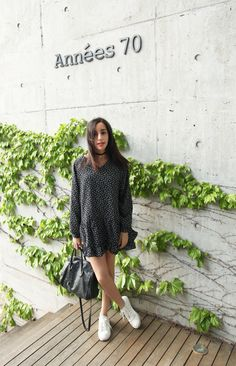 fashion blogger fblogger instagram canadian expat seoul style onstyle annees 70s floral flower dress slip on what i wore furla purse bag choker necklace
