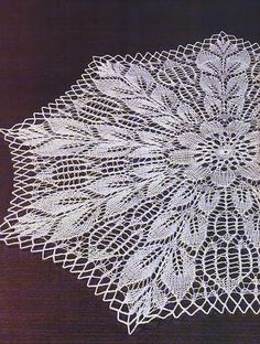 Art: knitted tablecloth