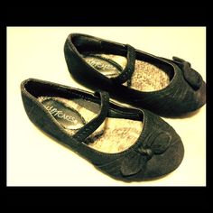 Toddler girls Black dress shoes. Size 8. Black dress shoes. Size 8. Good condition. Shoes Flats & Loafers