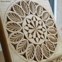 Chip carving (pattern by Tatiana Baldina) https://instagram.com/tatbalcarvings/