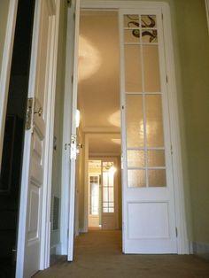 puertas cristal y madera antigua - Google Search Ideas Decoración, Slide, Doorway, Windows, Interior Design, Classic, Google, Furniture, Home Decor