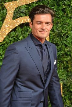 Orlando Bloom Photos - British Fashion Awards 2015 - Red Carpet Arrivals - Zimbio