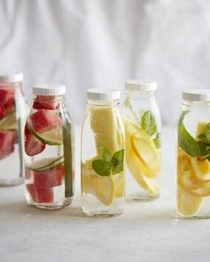 DIY Spa Day / Infused Spa Water from www.whatsgabycooking.com (@whatsgabycookin) Spa Day For Kids, Spa Day At Home, Spa Party Foods, Girl Spa Party, Spa Day Party, Pamper Party, Spa Bachelorette Parties, Spa Birthday Parties, Sleepover Party