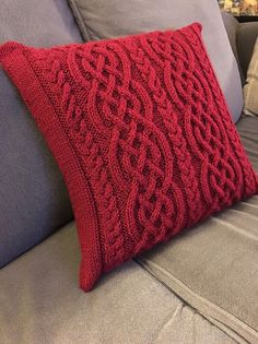 90818ad5d6483 Celtic Cable Knit Stitch Pattern Project Roundup