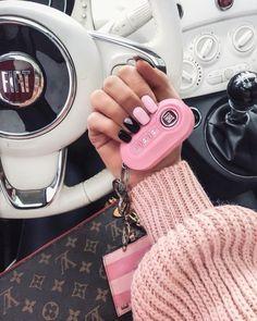 Amazing nails, but a pink Fiat 500 key? Amazing nails, but a pink Fiat 500 key? Pink Ferrari, Ferrari 458, Maserati, Auto Jeep, Fiat 500 Pink, Fiat Panda, Mini Car, Fiat Cars, Jeep Cars
