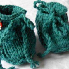 4e0ccddc06b4 Chaussons bébé 0-3 mois en laine bleu menthol tricotés main Laine Bleue, 3